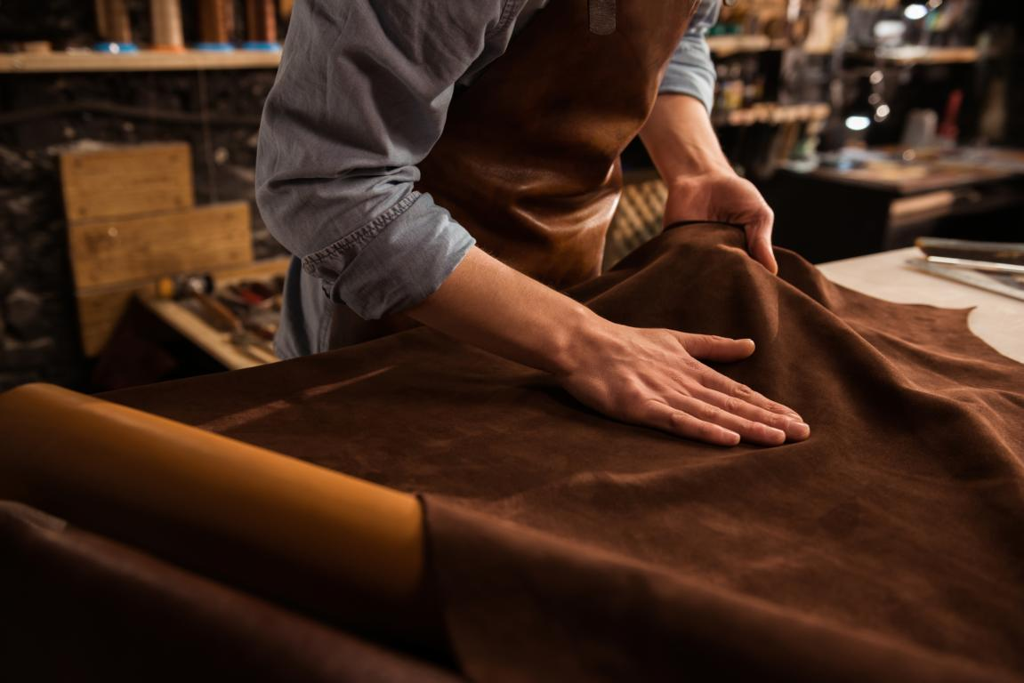 Handwerkliche Meisterwerke für mehr Fußgesundheit – Maßschuhe vom Orthopädie-Schuhtechniker